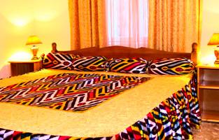 Двухспальная кровать номер люкс Самарканд